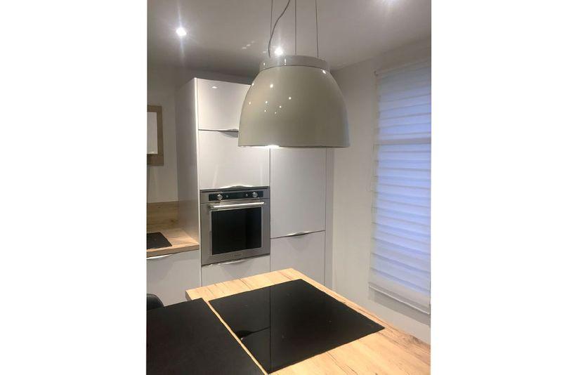 airforce luna blanc hotte suspendue pour la cuisine lunawhtlc. Black Bedroom Furniture Sets. Home Design Ideas